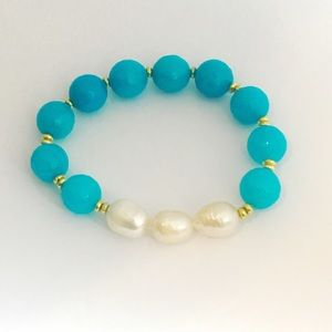 Jewelry - Aqua faceted beads with freshwater pearls and gold